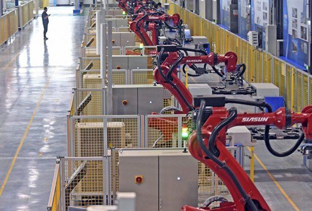 Les usines de la planète se robotisent à marche forcée